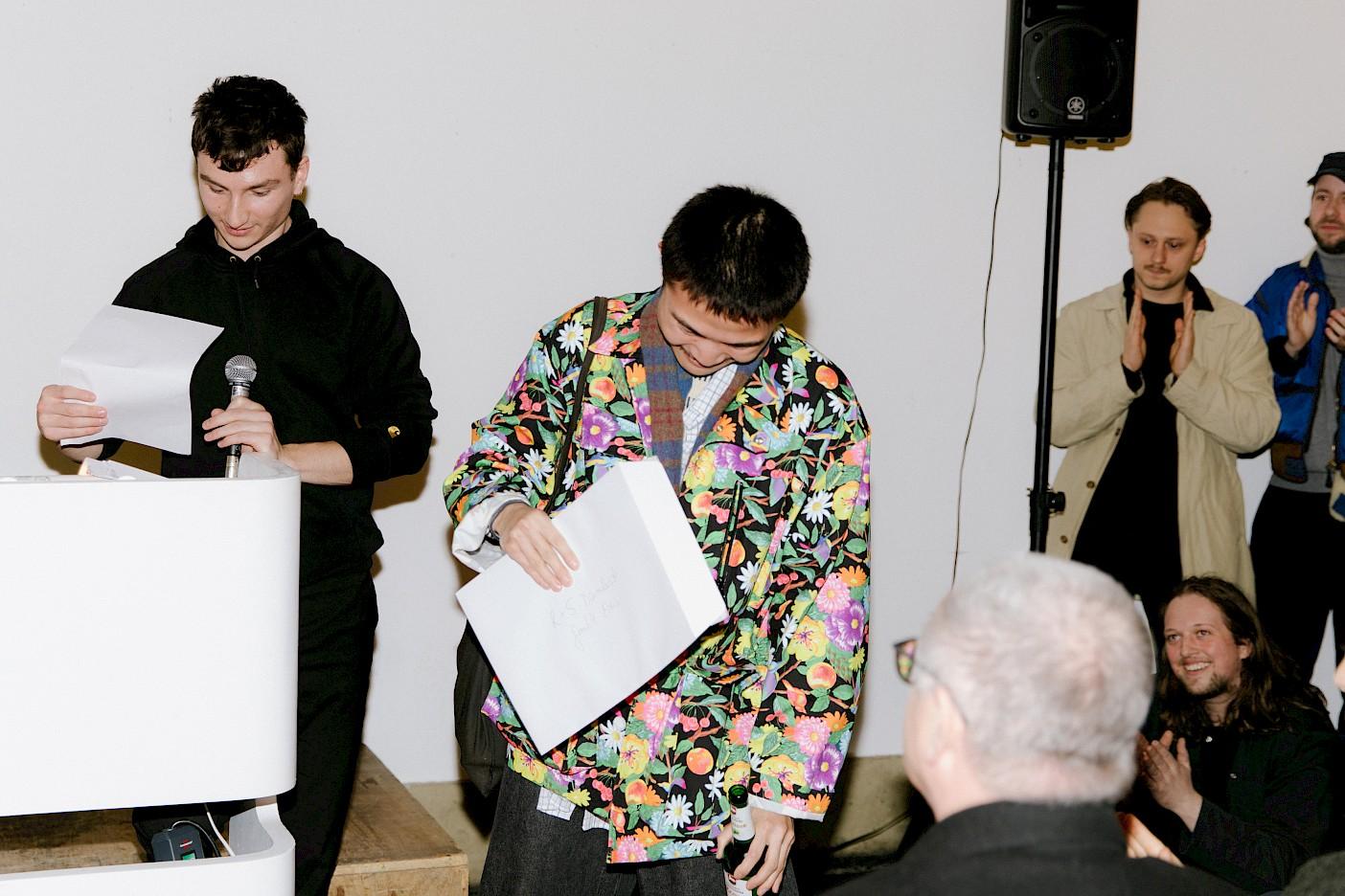 Long Xiang Li erhält den R & S Daimlerstrasse GmbH Preis