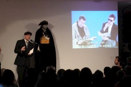 William Holden in Frankfurt, Playing The City, Schirn Kunsthalle, Frankfurt, 2009, photo Dora García, performer Jan Mech