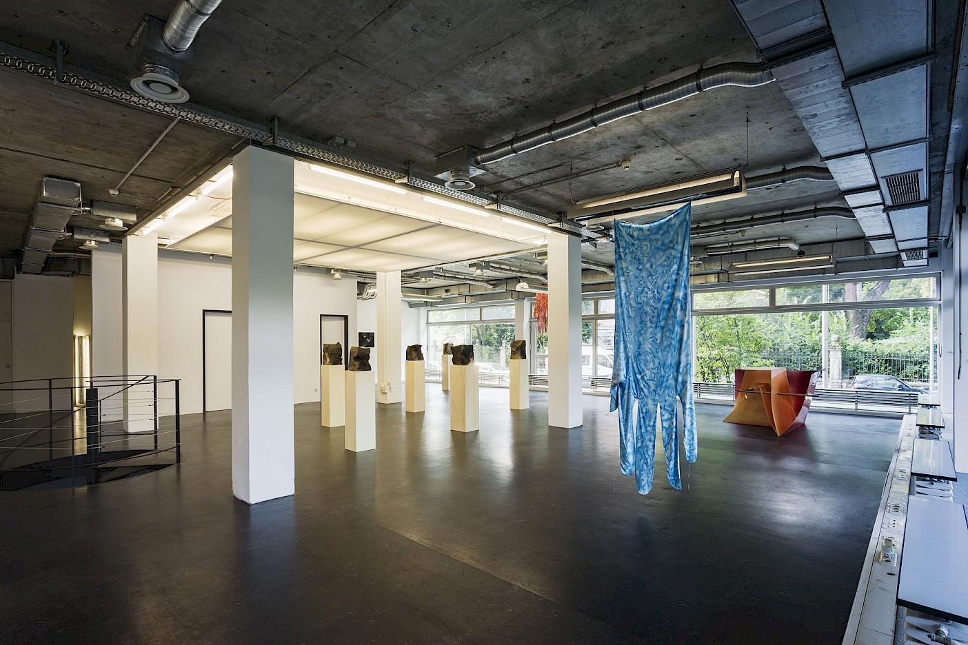 Kirstina Lovaas, Lorenz Ganthaler, installation view The Whistle, 2021, Schaumainkai 69, Foto: Ivan Murzin